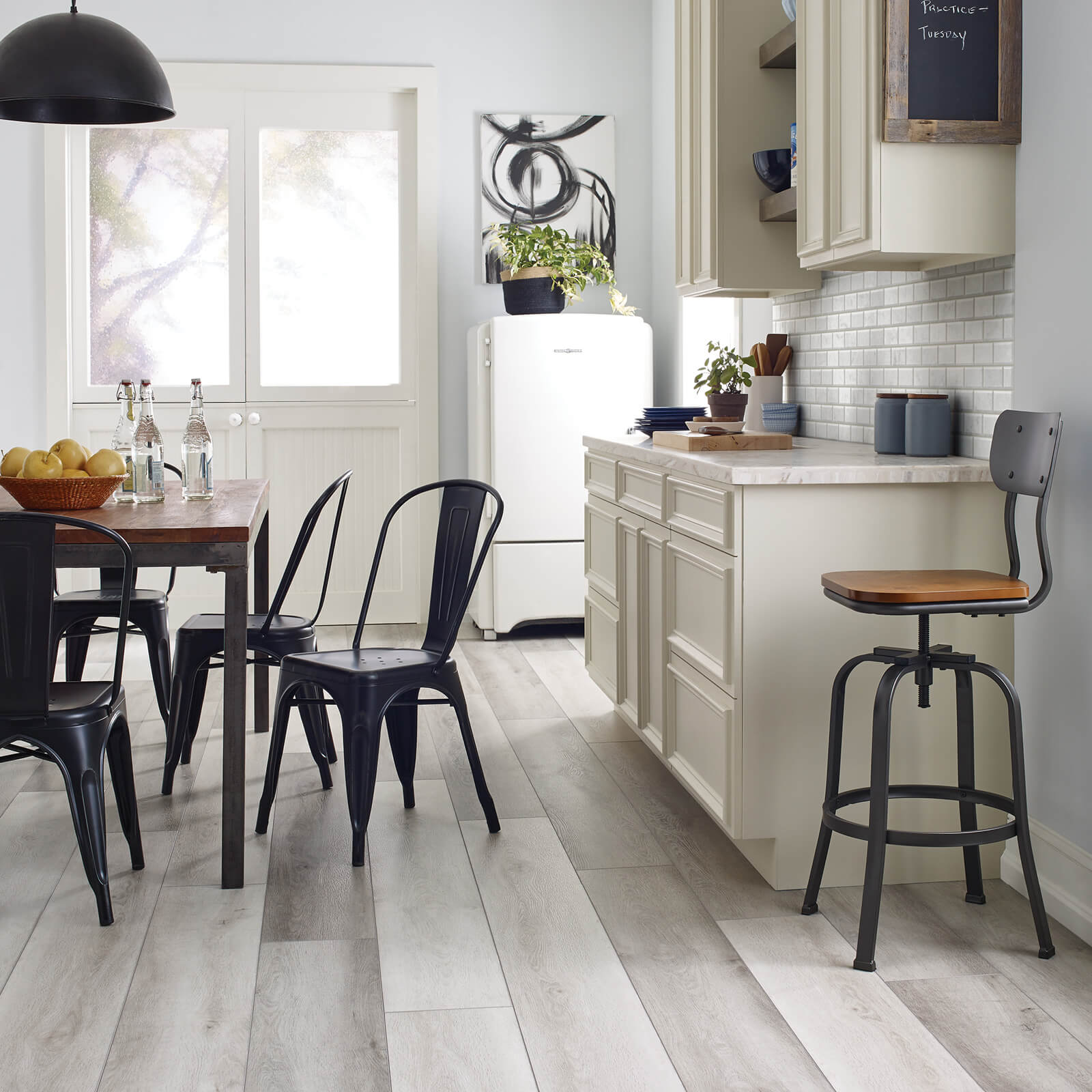Farmhouse Kitchen | Wacky's Flooring