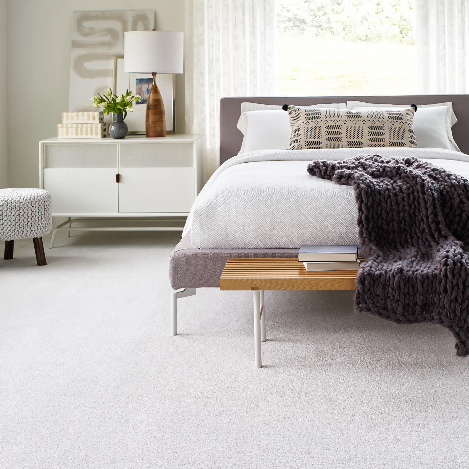 White Carpet in Bedroom | Wacky's Flooring